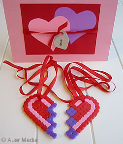 Craft ideas - Gifts - Two halves make one: Heart pendants