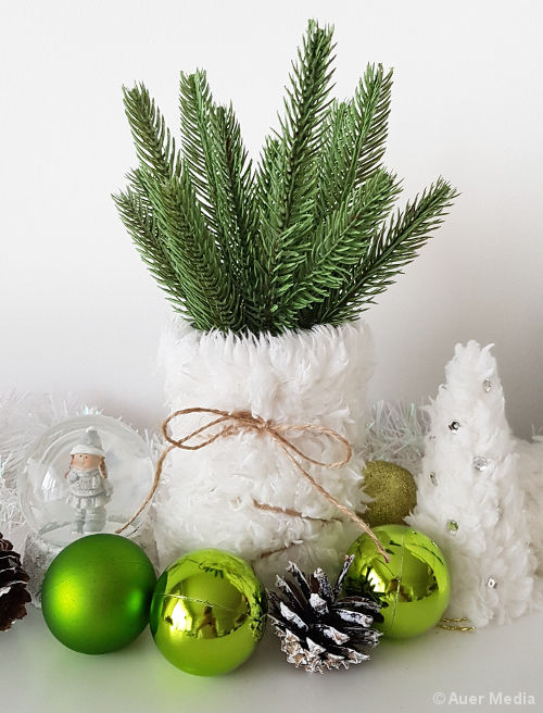 DIY Elegant White Christmas Decorations Using Fake Fur